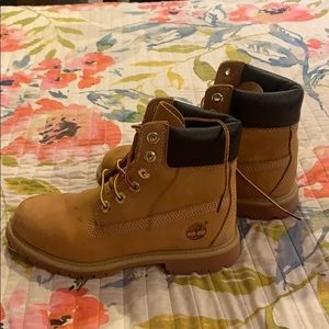 Women's Timberlands Waterproof Boots